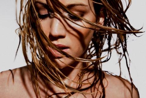Як догядати за жирним волоссям в домашніх умовах - рецепти та ... f70d84ccc882d